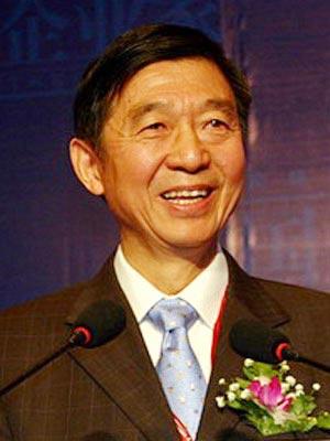 图文:中国外交学院院长吴建民