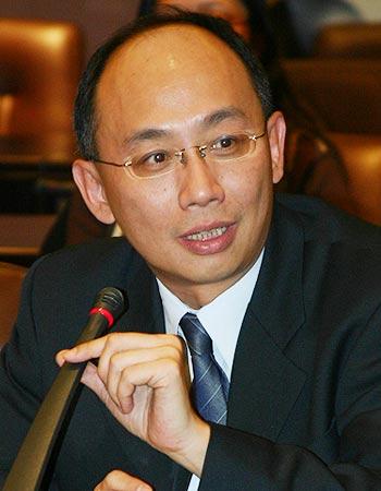 图文:华一银行徐汇支行行长诸建明