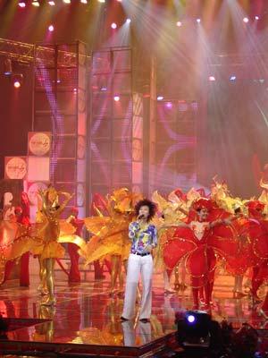 图文:北京影响力评选颁奖典礼歌舞表演