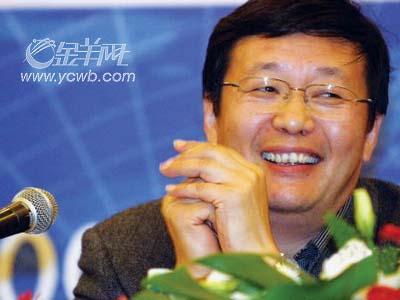 财政部副部长楼继伟:中国收入分配相当不均