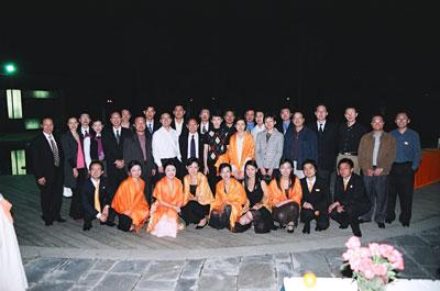 精彩图片:橙色风暴晚宴合影