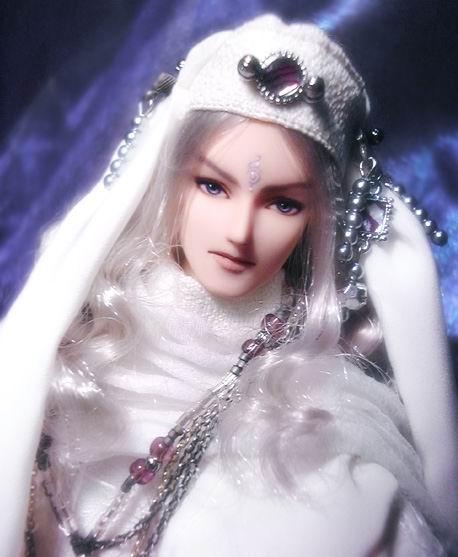 好漂亮 的娃娃~你们知道哪有买吗?