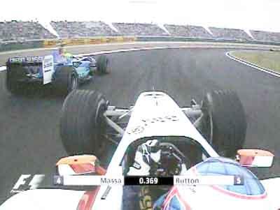 比赛中的f1赛车高清图片
