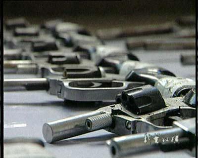 安徽淮南紧急追查黑枪:台钳 手锯=左轮手枪(多图)