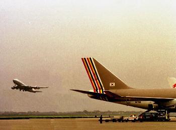 图文:虹桥机场国际航班包机移至浦东机场