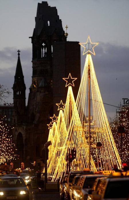 德国首都柏林街头一派火树银花图片