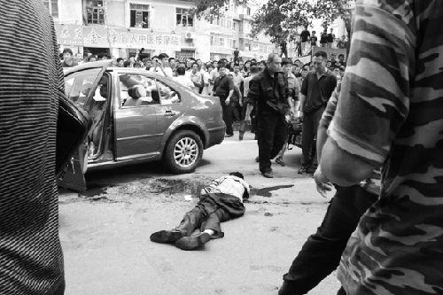 闹市劫人质 歹徒被击毙(组图)