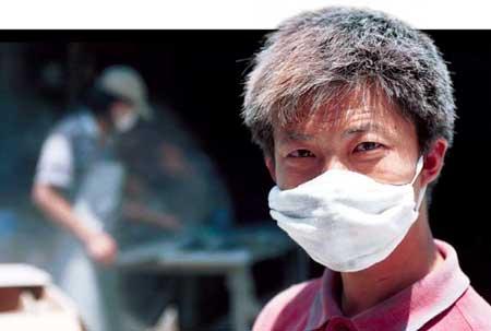 上海 新民/如今的小波,在上海的一家大理石加工厂做小工,虽然辛苦,但...