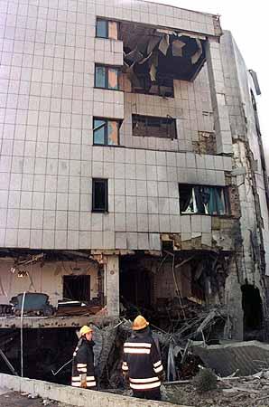 知情人称北约轰炸我驻南使馆是针对米洛舍维奇(组图)