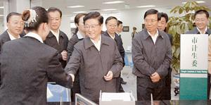 中共中央政治局常委,国务院副总理黄菊在四川省委书记,省人大常委会