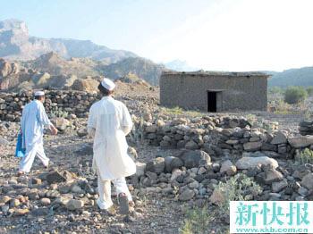 新闻综述:中国人质在巴基斯坦经历六天惊魂