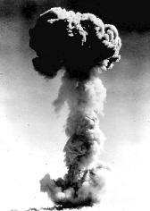 杨振宁:当年曾为中国制造出原子弹泪流满面
