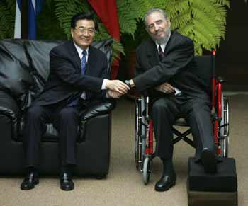 胡锦涛同卡斯特罗会谈提出发展友好关系三建议