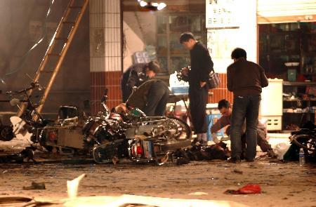 南方周末:重庆茶馆爆炸案锁定凶手过程始末