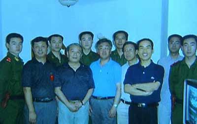 感动中国2004年度人物:孙必干战火中不辱使命