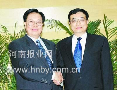 河南新任省委书记徐光春宣布明年免征农业税