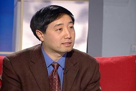 新闻会客厅:痛并快乐着的中国忘年恋现状