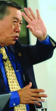 华裔神探李昌钰:让凶手睡不着的现代福尔摩斯