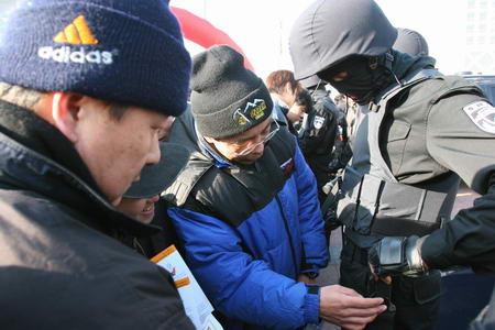 北京110一批特色新装备与公众见面(组图)