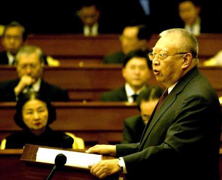 图文:董建华发表2005年施政报告(2)
