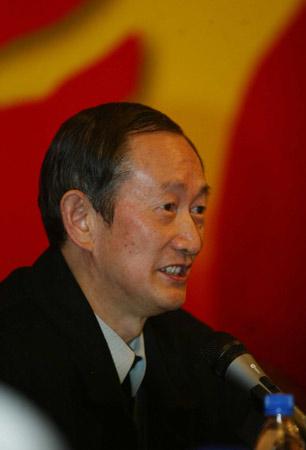 组图:中国都市报研究会会长席文举发言