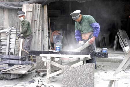 石材店成了噪音粉尘加工厂图片