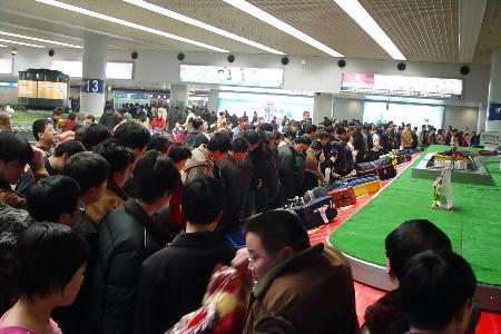 图文:节后民航出现返程客流高峰