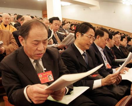 图文:全国政协委员列席人大会议