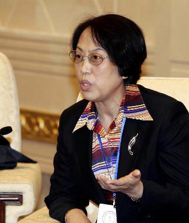 图文:黑龙江代表李延芝呼吁提高水资源利用率
