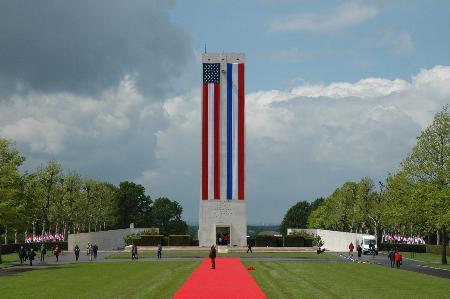 图文:布什在荷兰悼念二战美军阵亡将士(1)