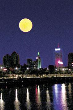 农历十一的月亮