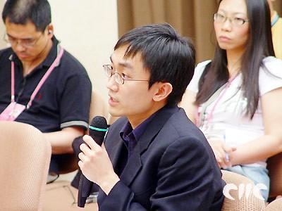 图文:新加坡联合早报记者提问