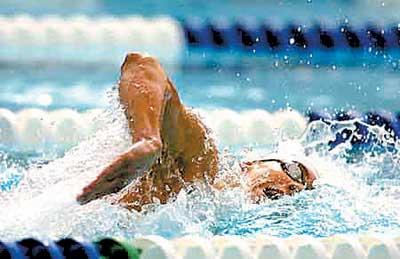 文明礼仪系列报道之赛场礼仪 看游泳比赛衣着