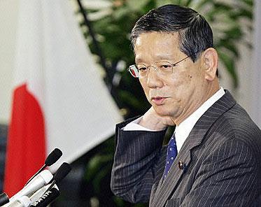 日本外相指责中国批评小泉参拜靖国神社荒谬