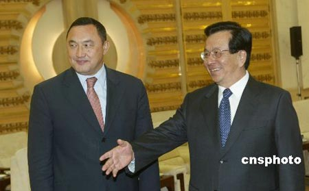 曾庆红表示中方感谢哈萨克斯坦支持打击东突