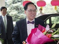 曾荫权在人民大会堂香港厅宣誓就职