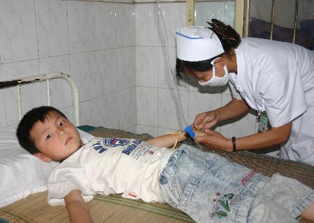 安徽泗县百余学生接种甲肝疫苗出现异常1人死亡