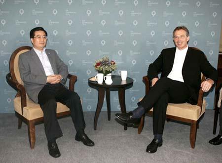 胡锦涛会晤布莱尔希望欧盟对华军售早日解禁