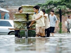 淮河流域全线告急今日上游将形成洪峰(图)