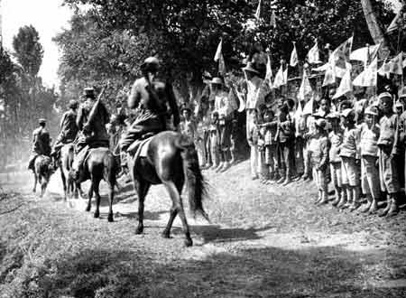 抗日战争中的全民抗战:毛泽东领导敌后游击战