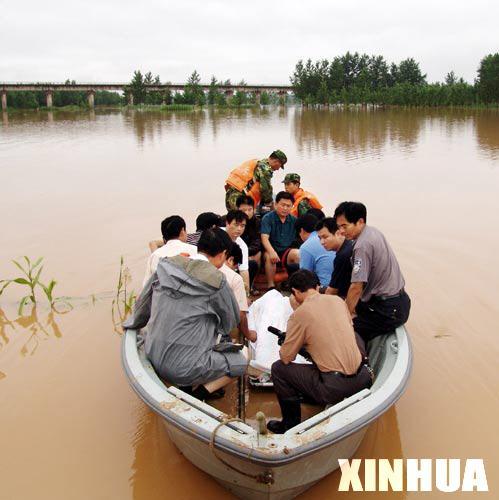 安徽宿州市一镇党委书记在抗洪一线牺牲(图)