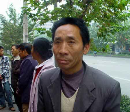 """用工陷阱层出河北农民工被迫接受""""年薪制""""(图)"""
