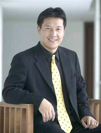 15:00专访世界英语教师协会主席刘骏(图)