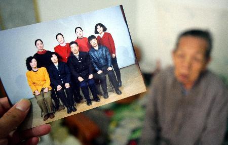 侵华日军遗孤回国后拒绝探望患病的中国养母