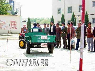 青岛政府进行培训补助 促进农村劳动力转移(组图)