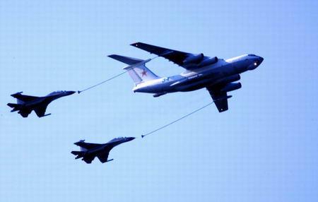 俄报称中国将向俄订购多架运输机和空中加油机