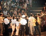 香港迪斯尼出现打斗事件逾千名观众不满(图)