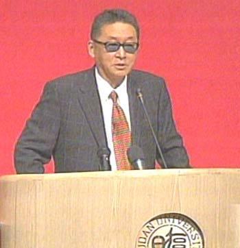 李敖在复旦大学进行第三场演讲(组图)