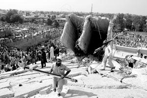 印巴遭遇强震死亡逾1700人我国公民4伤1人失踪