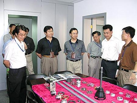 神六显示仪表和语音仪表系统揭秘(组图)